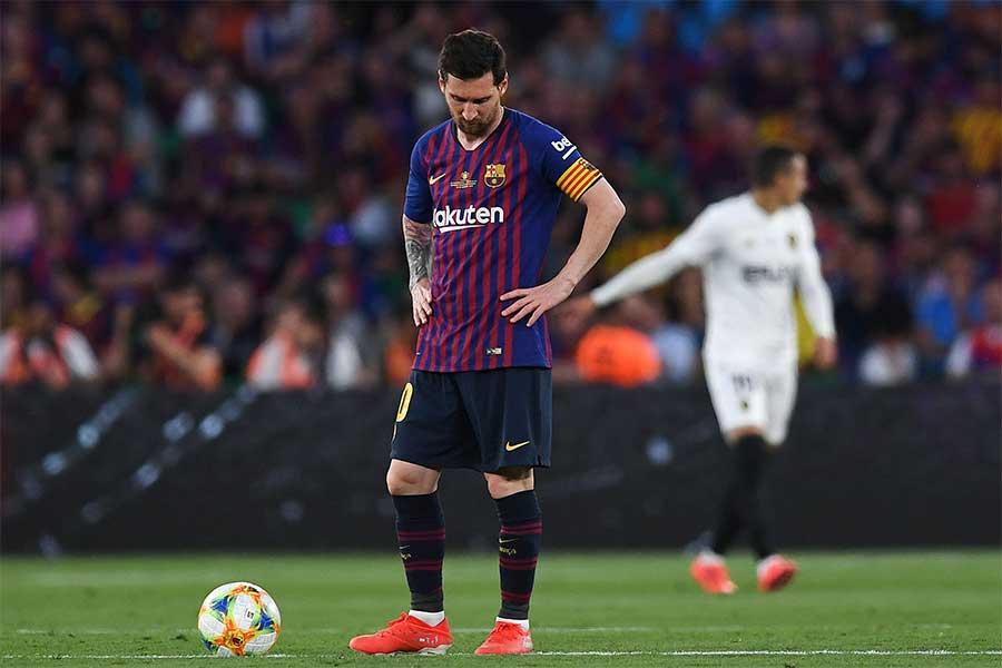 スペイン国王杯決勝バレンシア戦、メッシが詰めて1点差とするもあと一歩が届かなかった【写真:Getty Images】