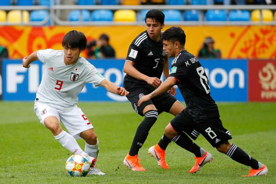 U-20日本代表のプレーを海外記者が絶賛している【写真:Getty Images】