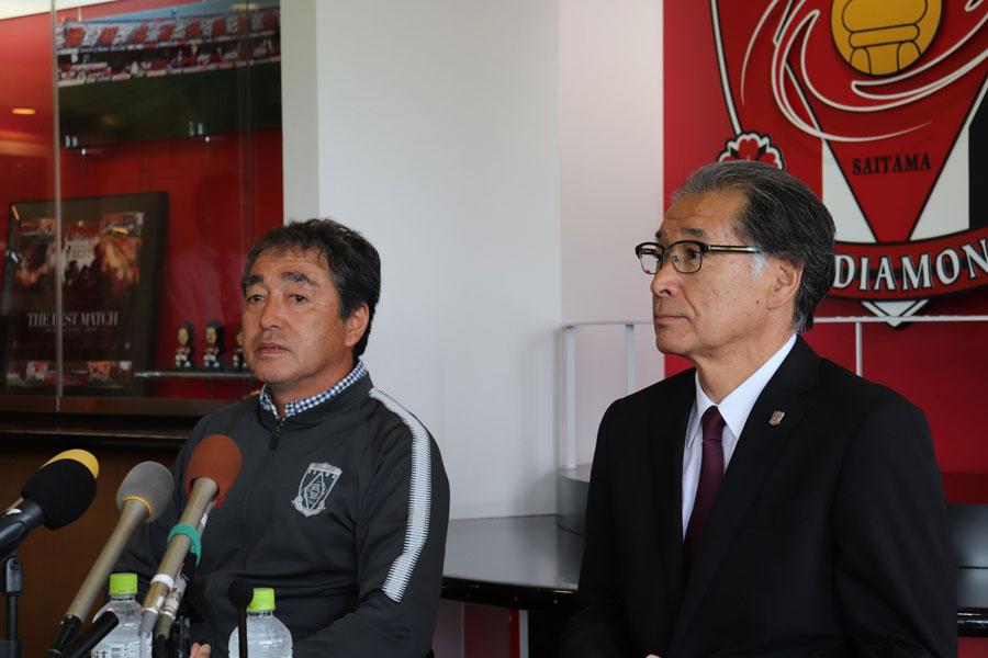 (左から)中村修三ゼネラルマネージャー、立花洋一社長【写真:轡田哲朗】