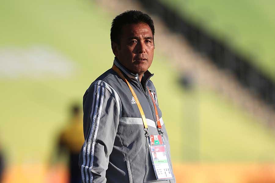 U-20日本代表を率いる影山監督【写真:Getty Images】