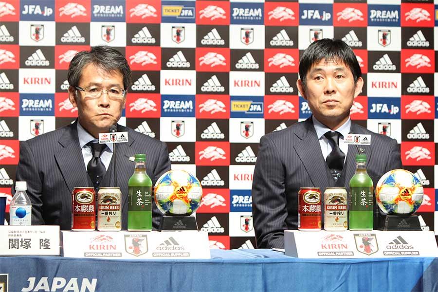 (左から) 関塚隆技術委員長、森保一監督【写真:Football ZONE web】