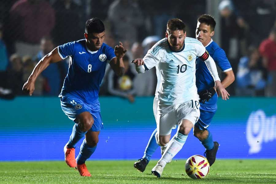 現地時間7日に行われた国際親善試合ニカラグア戦で、2分間で2ゴールを奪うなど好調を維持するFWメッシ【写真:Getty Images】