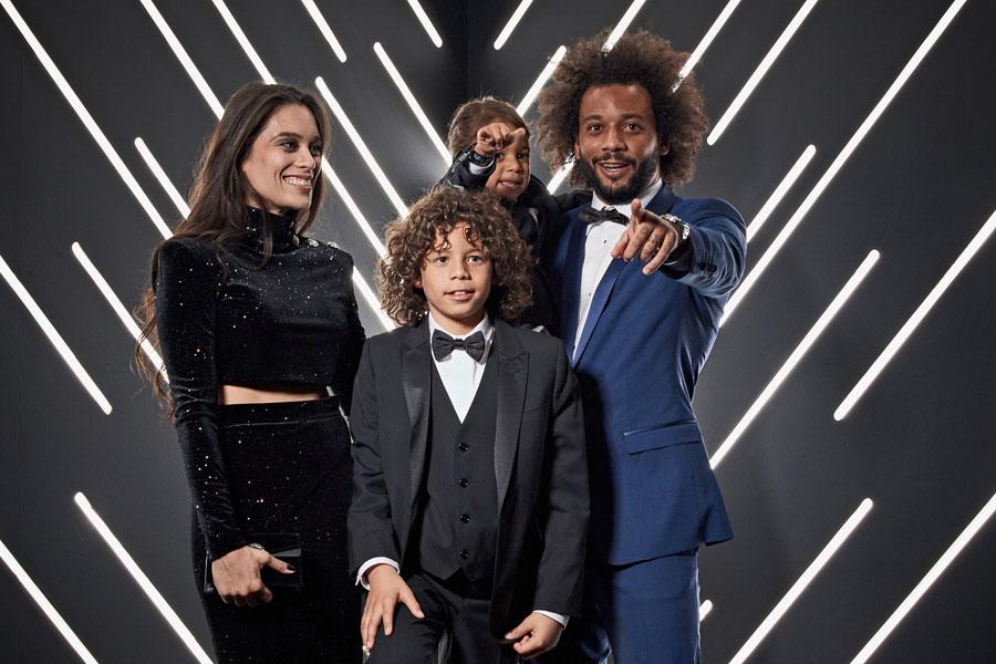 マルセロ(一番右)と息子のエンツォくん(中央)の肉体美が反響を呼んでいる【写真:Getty Images】