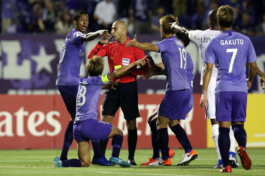 サンフレッチェ広島FWパトリックのゴールが不可解な判定で取り消された【写真:Getty Images】