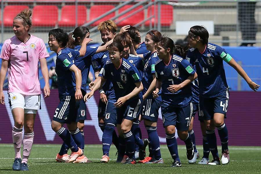 スコットランドを2-1で下したなでしこジャパン、試合後の日本サポーターの振る舞いが注目を浴びている【写真:AP】