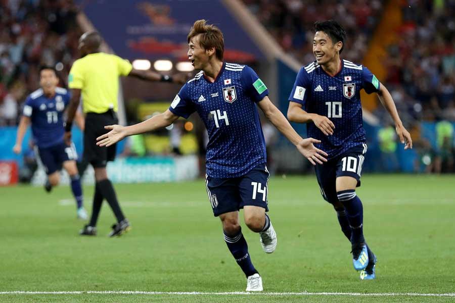 ロシアW杯で2ゴールの活躍を見せた乾に、エイバルとベティスが賛辞を送っている【写真:Getty Images】