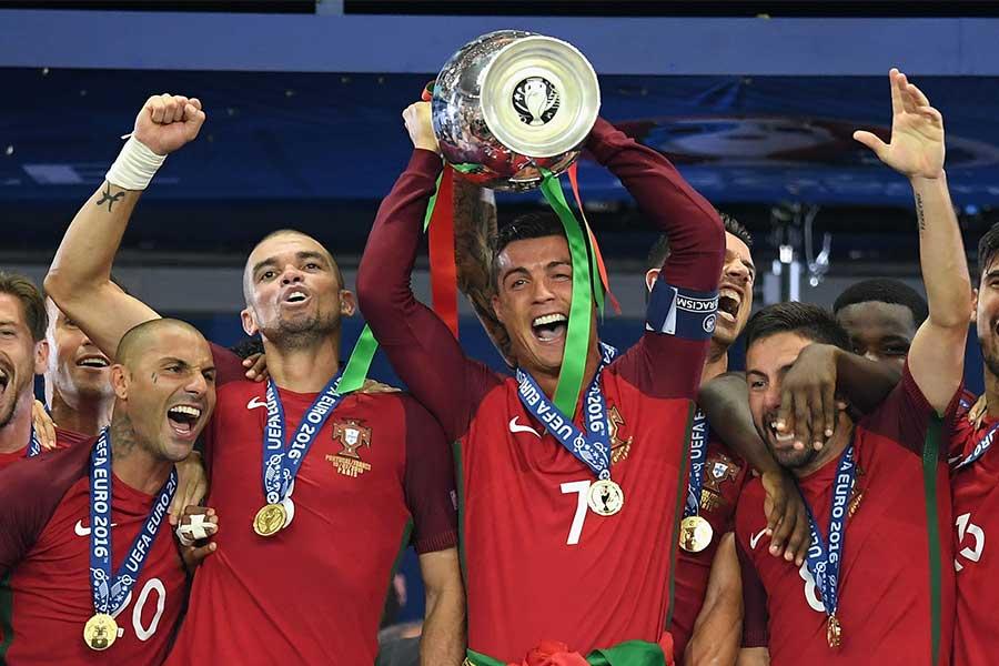 EURO2016を制したポルトガル代表【写真:Getty Images】