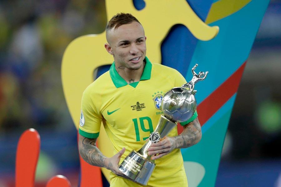 コパ・アメリカで得点王に輝いたブラジル代表FWエベルトン【写真:AP】