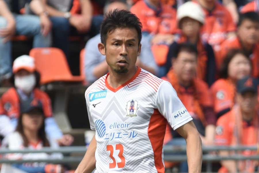 愛媛FCのMF山瀬功治【写真:Getty Images】