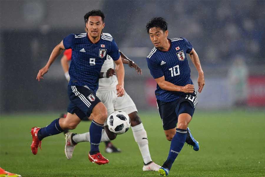 日本代表でともにプレーした(左から)岡崎、香川はスペイン2部でプレーする【写真:Getty Images】