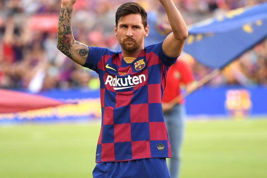 今季のバルセロナが着用するチェック柄ユニフォーム【写真:Getty Images】