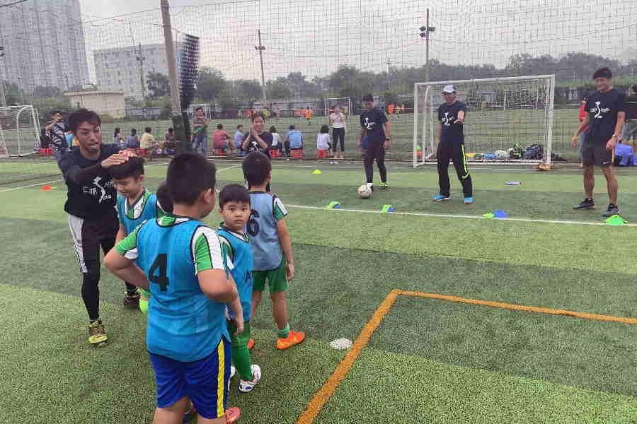 木場克己氏が行ったベトナムでの指導イベントの様子【写真:Football ZONE web】