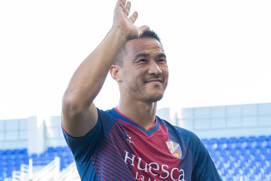移籍後初ゴールを決めた岡崎【写真:SD Huesca】