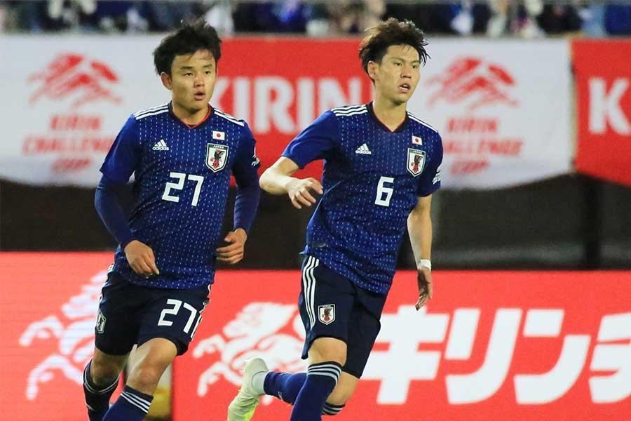 日本代表でともにプレーするMF橋本とMF久保【写真:Noriko NAGANO】