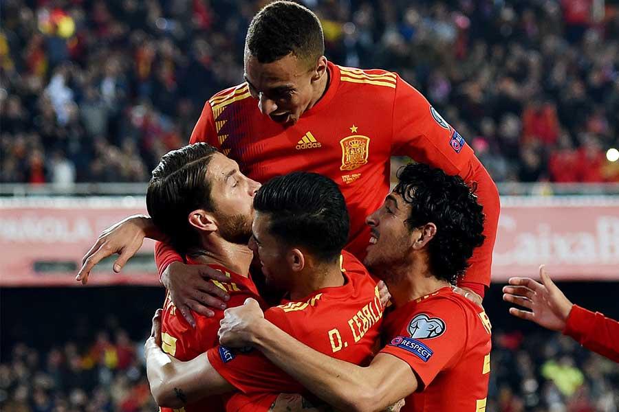 珍記録を達成したスペイン代表【写真:Getty Images】