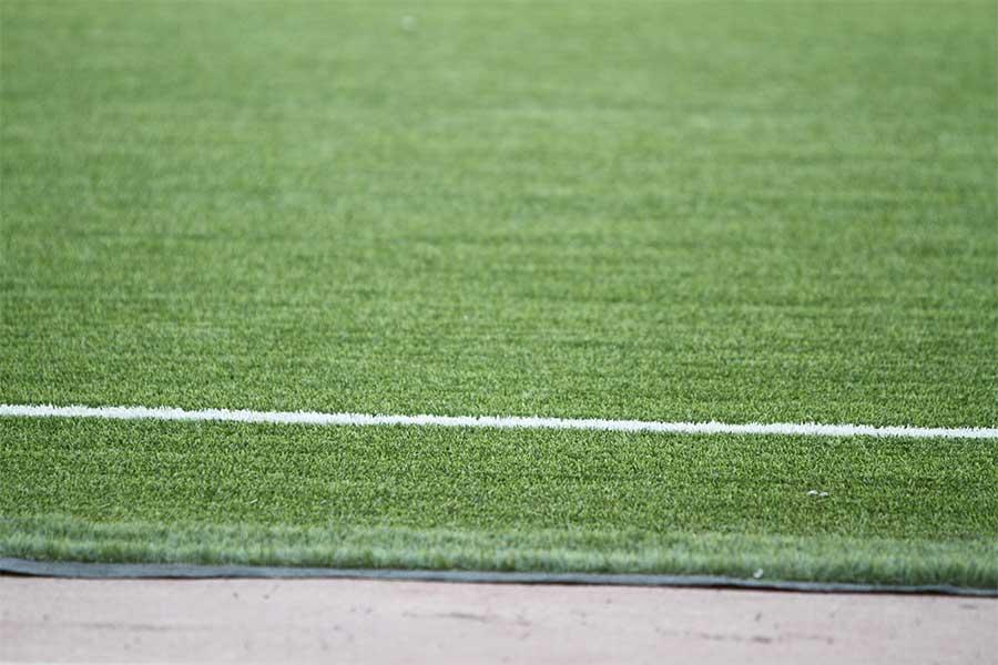 人工芝ピッチが試合に与える影響とは?【写真:Football ZONE web】