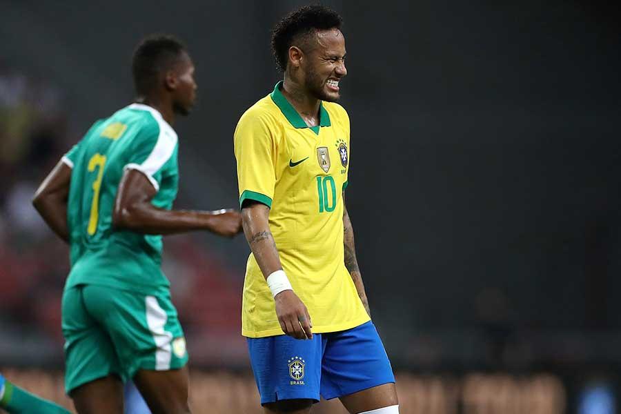 ブラジル代表FWネイマールがナイジェリア戦で負傷交代【写真:Getty Images】