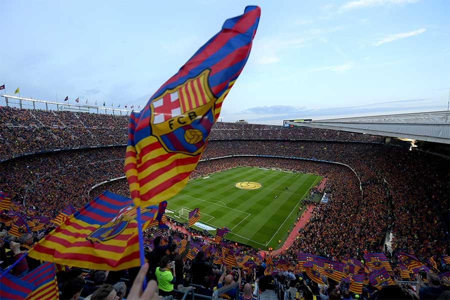 カタルーニャの混乱から、「エル・クラシコ」は12月に延期された【写真:Getty Images】