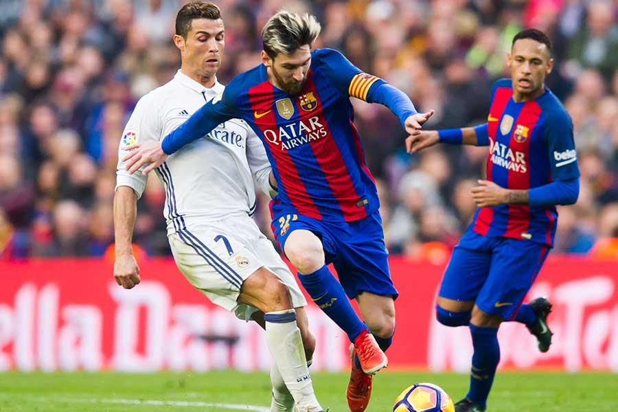 10年にわたりスペインでともにプレーをしていたロナウドとメッシ【写真:Getty Images】