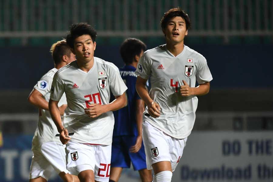 U-21日本代表に選出された浦和レッズDF橋岡(右)【写真:ⒸAFC】