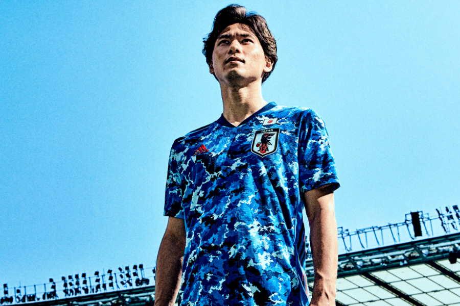 日本代表の新ユニフォームに海外メディアは好印象【写真:サッカー日本代表2020ユニフォーム発表会見】