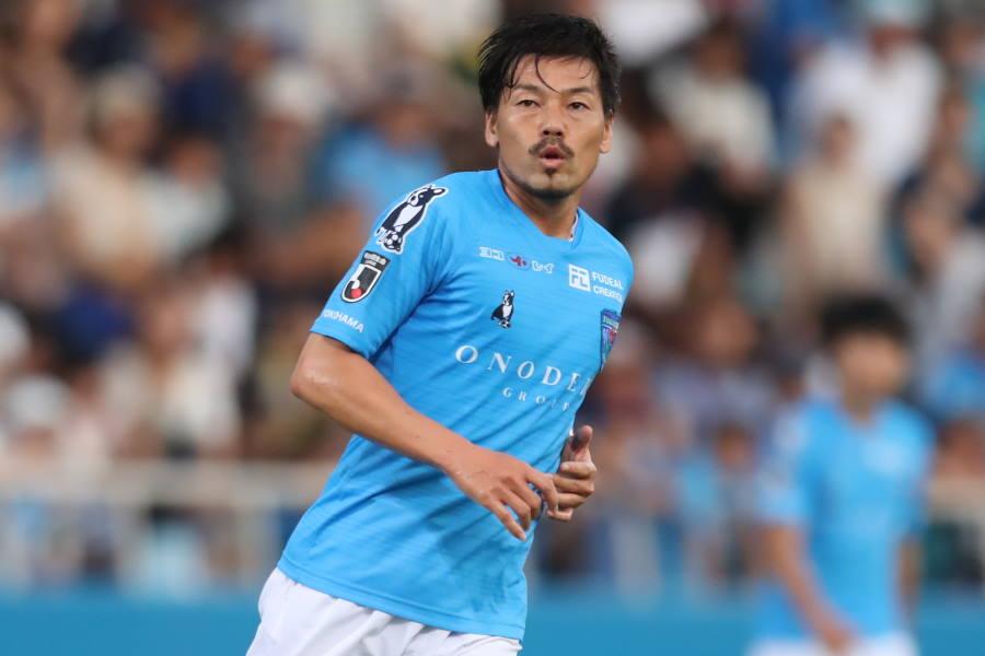 昨シーズンまで横浜FCでプレーをしたMF松井大輔(写真は2019年のもの)【写真:高橋 学】