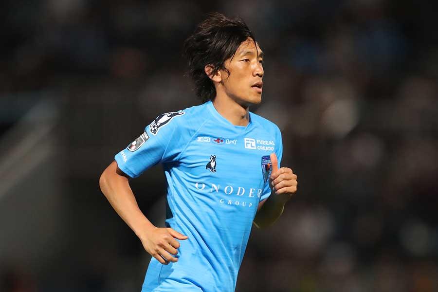 中村俊輔が所属する横浜FCが勝利し、昇格チームの決定は次節以降に【写真:高橋学】