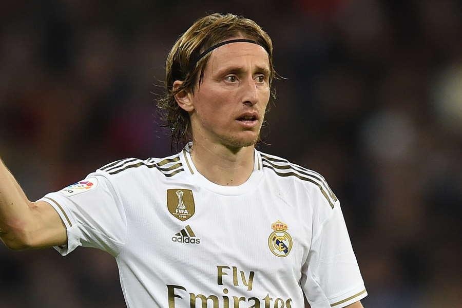 モドリッチは自身の移籍の噂に言及した【写真:Getty Images】