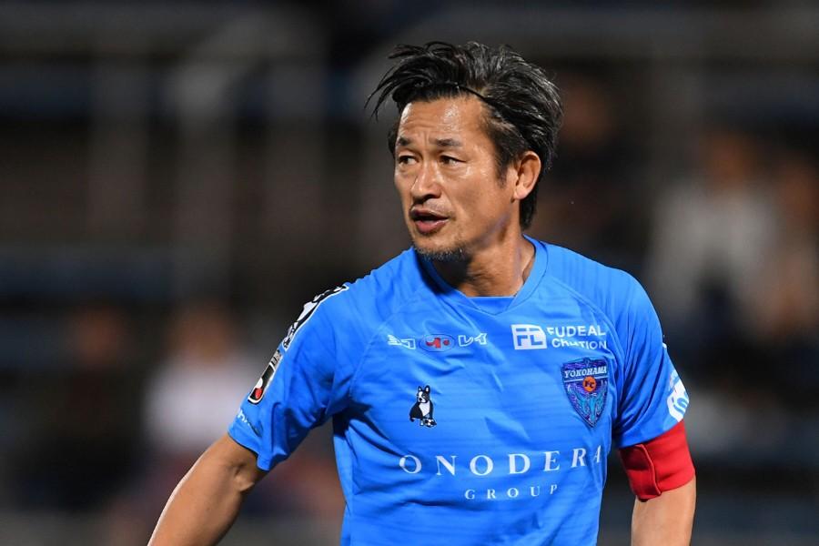 最終節に途中出場した横浜FCのFWカズ【写真:Getty Images】