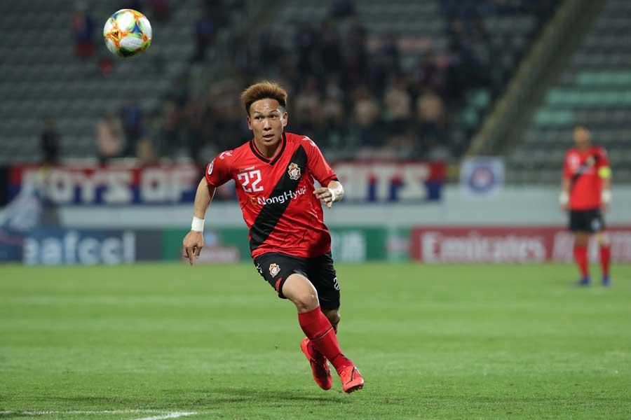 慶南FCでプレーするMF邦本宜裕【写真:Getty Images】