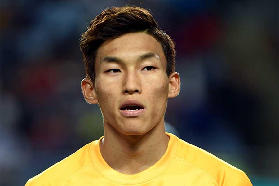 韓国代表GKキム・スンギュが痛恨のミスで失点【写真:Getty Images】