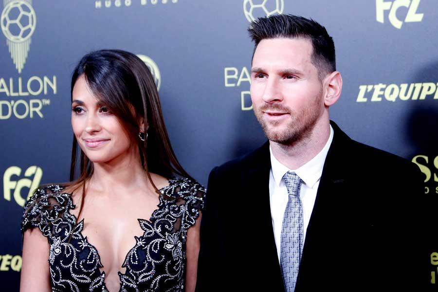 バルセロナFWメッシと妻のアントネラ・ロクソさん【写真:Getty Images】