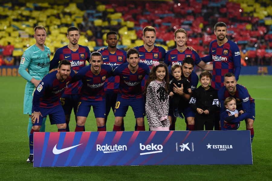 首位でリーグ戦を折り返したバルセロナの補強動向は?【写真:Getty Images】