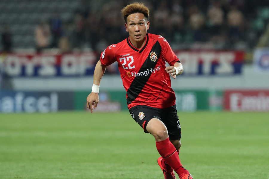 慶南FCで活躍し評価を高めたMF邦本宜裕【写真:Getty Images】