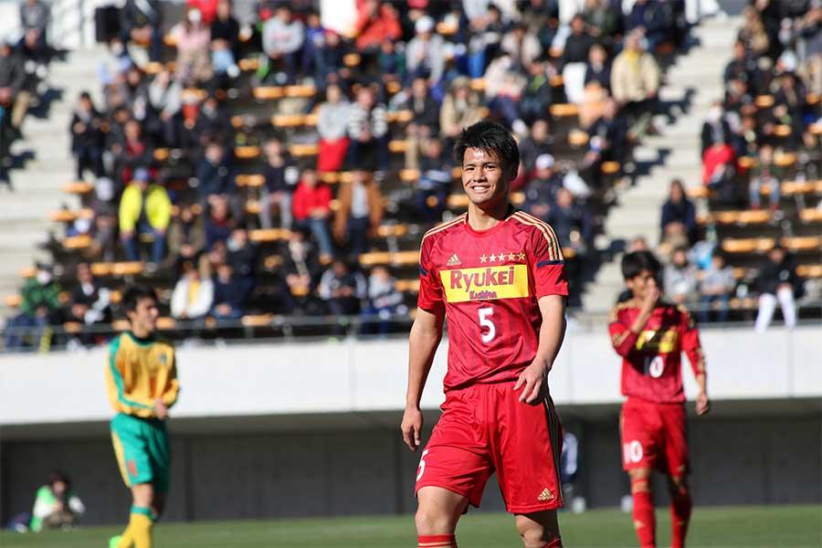 流通経済大柏のDF関川郁万【写真:Football ZONE web】