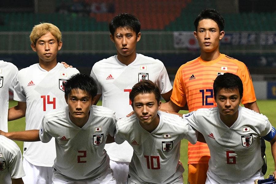 名古屋グランパスは、MF伊藤(後段中央)を期限付き移籍で獲得した【写真:ⒸAFC】