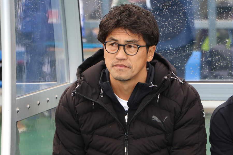 國學院久我山の清水監督【写真:Football ZONE web】