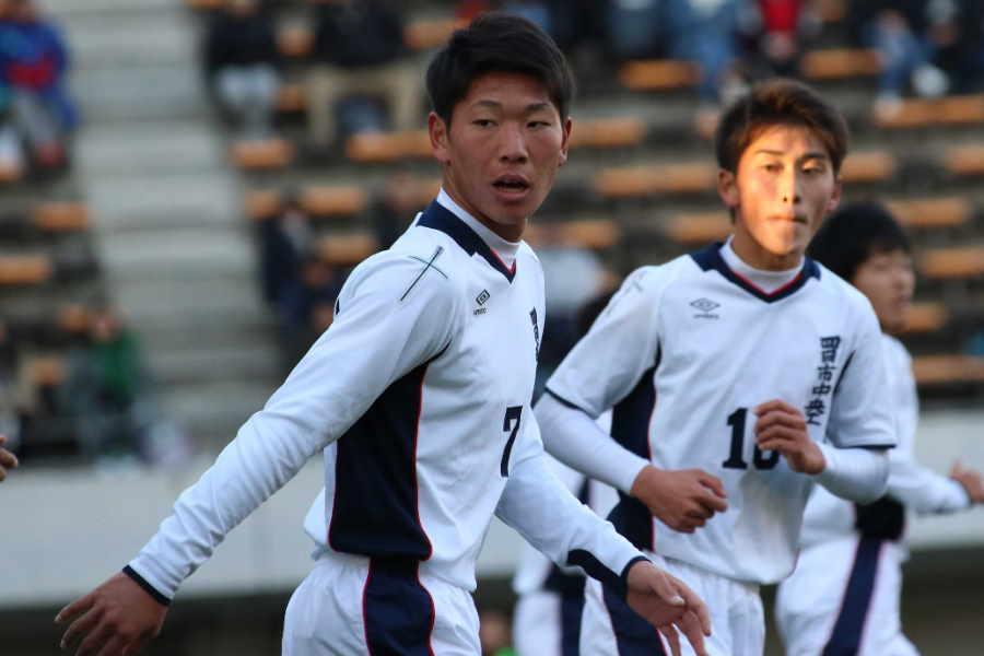 日本代表FW浅野拓磨の弟でもある四日市中央工FW浅野快斗【写真:Football ZONE web】