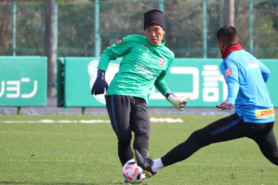 浦和GK西川が2020年シーズン使用の新ボールに言及【写真: 轡田哲朗】