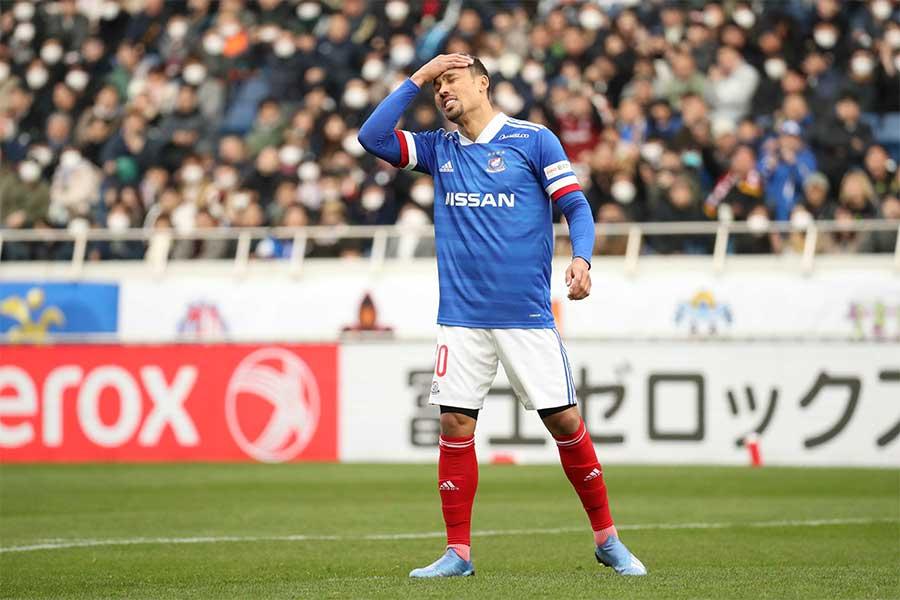 横浜F・マリノスのエジガル・ジュニオから9人連続のPK失敗が始まった【写真:石倉愛子】
