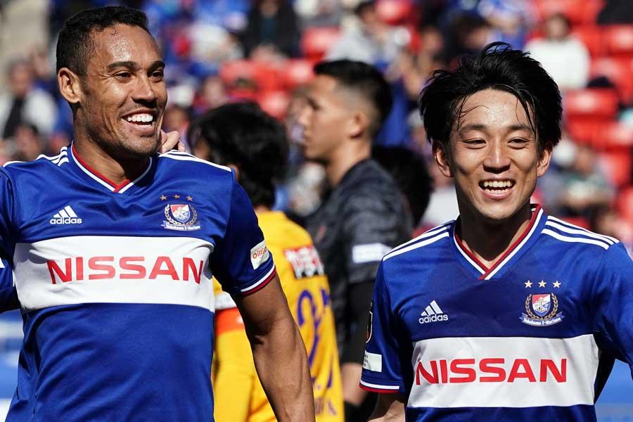 2人目に挙げたのは、今季横浜F・マリノスに加入したFWエジガル・ジュニオ(左)【写真:Getty Images】
