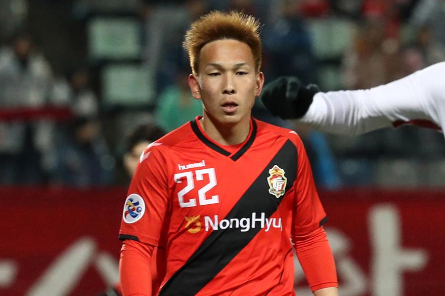 慶南FCのFW邦本【写真:Getty Images】