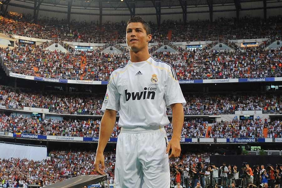 2009年にレアル・マドリードへ移籍をしたFWクリスティアーノ・ロナウド【写真:Getty Images】