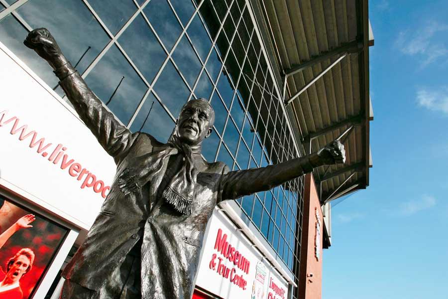 アンフィールド前にあるビル・シャンクリー氏の銅像【写真:Getty Images】