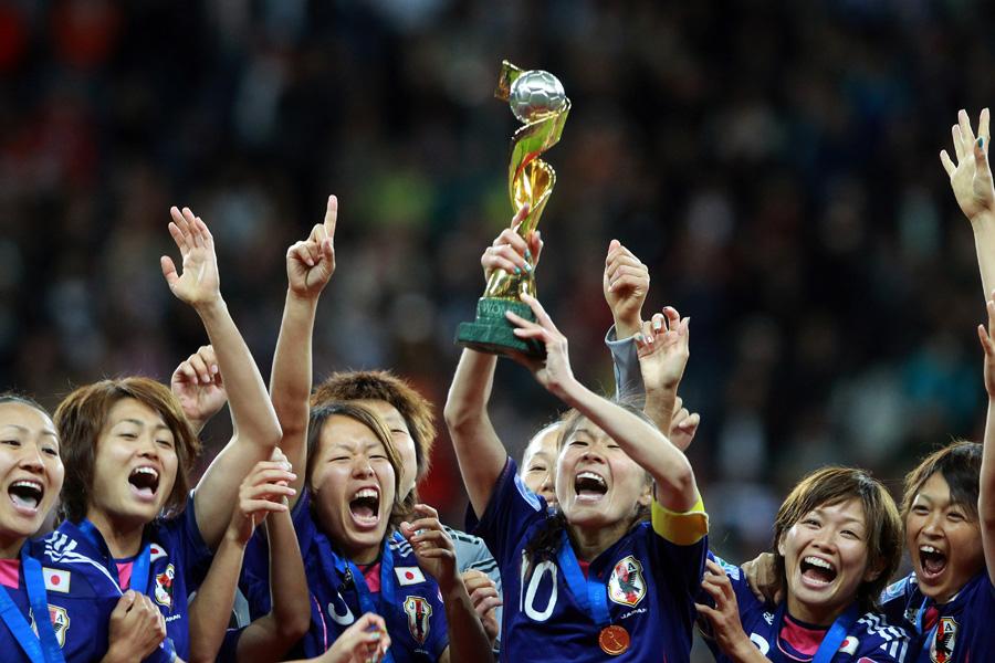 2011年ドイツ大会で初優勝を飾ったなでしこジャパン【写真:Getty Images】