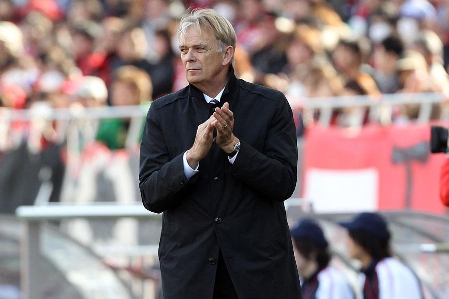 フィンケ氏は、2009年から2シーズン浦和レッズを指揮した【写真:Getty Images】