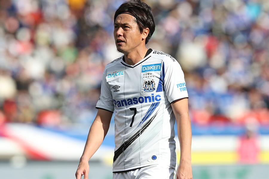 ガンバ大阪でプレーするMF遠藤保仁【写真:高橋学】