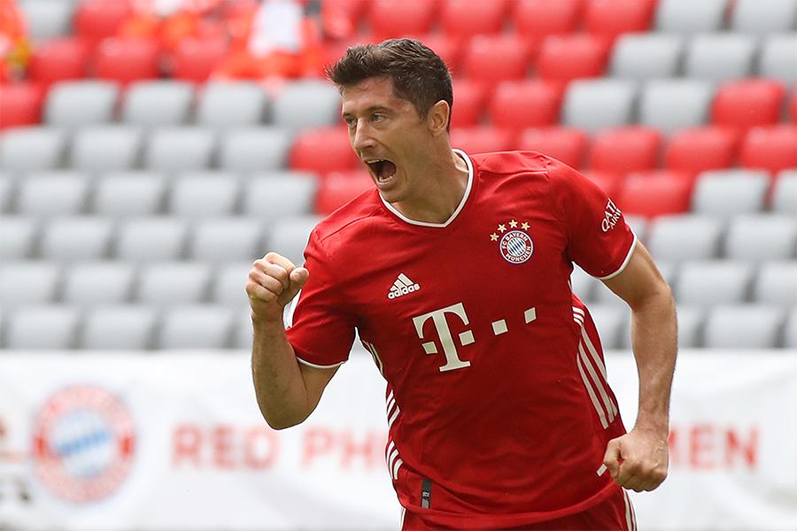 ブンデスリーガの外国人選手のシーズン最多得点記録を更新したFWレバンドフスキ【写真:Getty Images】