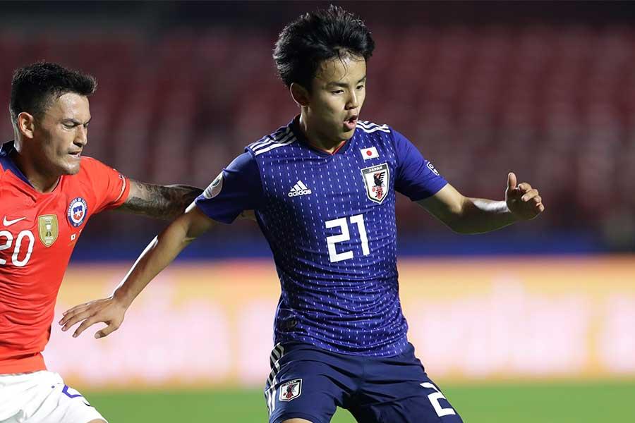 チリ戦で先発出場を飾った日本代表MF久保建英【写真:AP】