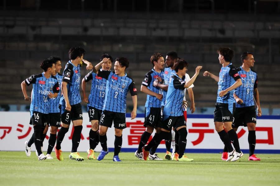 川崎は4-3-3の導入でパワーアップに成功した【写真:高橋学】